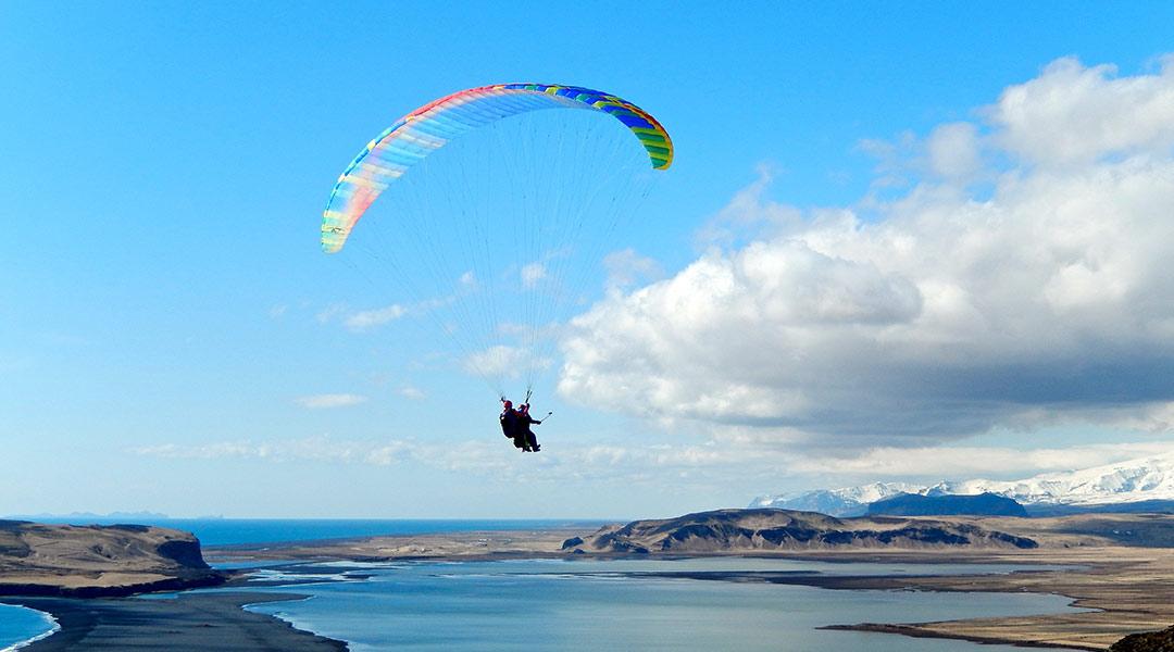 Svifvængjaflug Paragliding Vík í Mýrdal Ísland